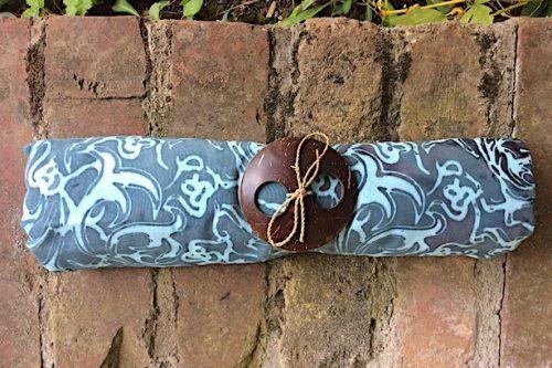 Sarong mittelgrau mit pudrigem braun und Ornamente in pastelltürkis