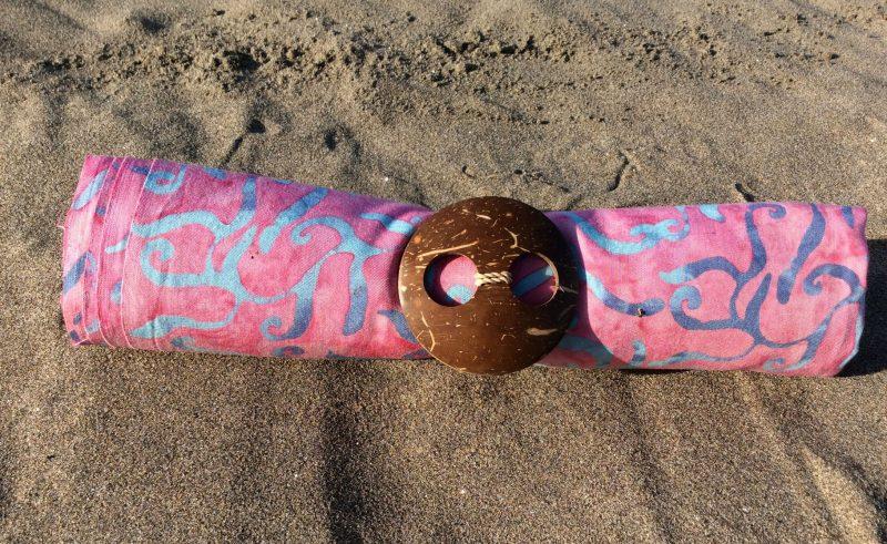1-3007 Cupel: pudriges rosa mit Ornamenten in türkis und grau