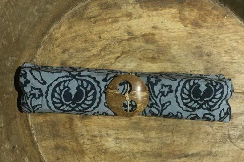 1-4029 Bulutin: taubenblau und dunkelblaue Ornamente