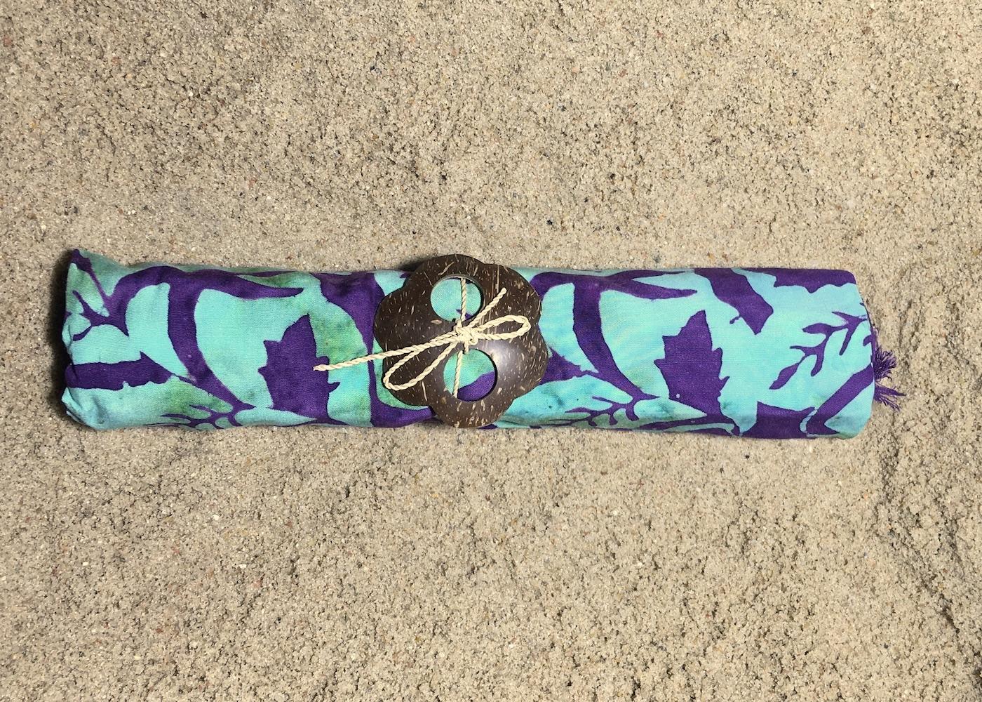 Sarong plakatives Muster in kräftigem lila und türkis