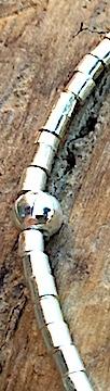 Armband in Silber mit Zylinder-Elementen in Südseeperlmutt
