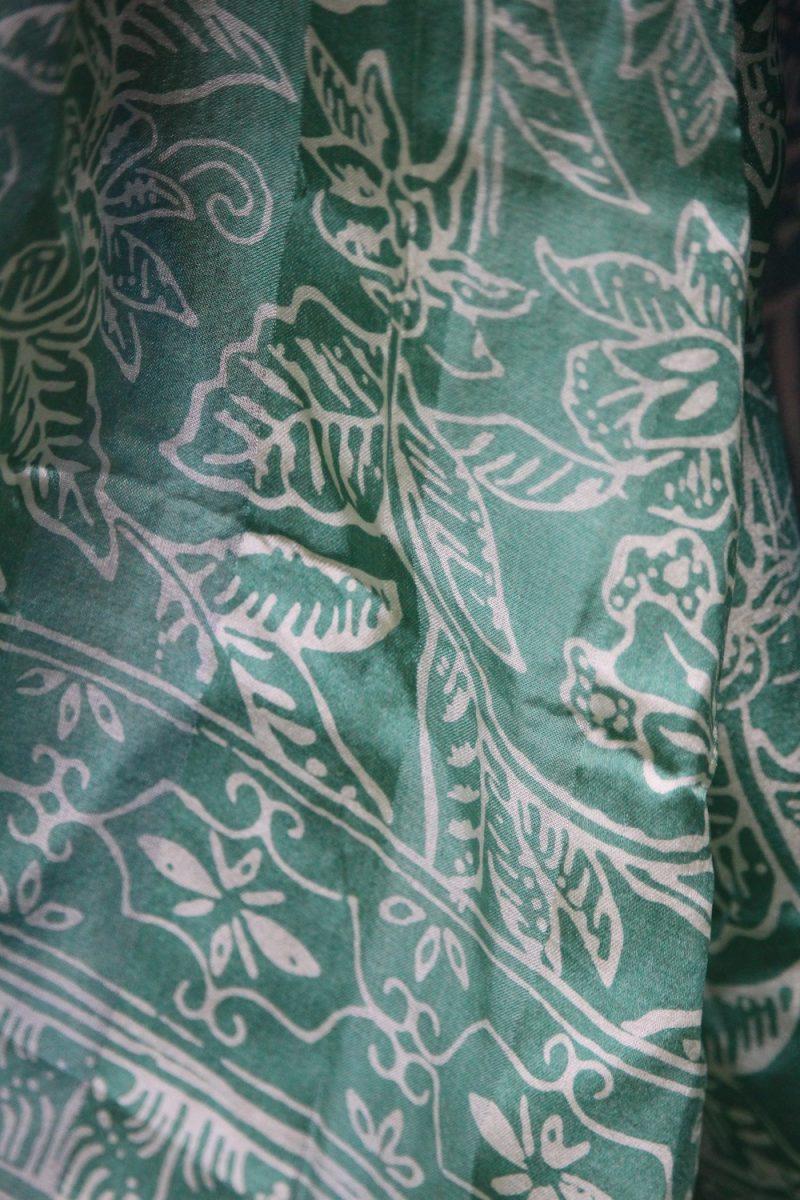 6-6076 hellgrün Seidenschal